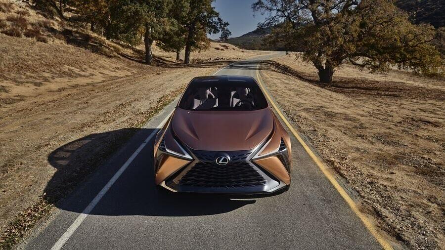 Lexus LF-1 Limitless Concept mới - crossover hàng đầu của Lexus trình làng - Hình 4