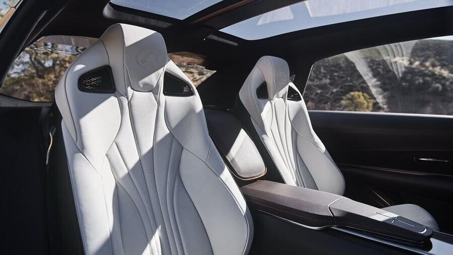 Lexus LF-1 Limitless Concept mới - crossover hàng đầu của Lexus trình làng - Hình 7