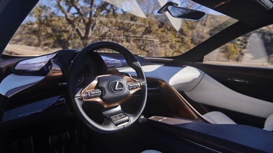 Lexus LF-1 Limitless Concept mới - crossover hàng đầu của Lexus trình làng - Hình 8