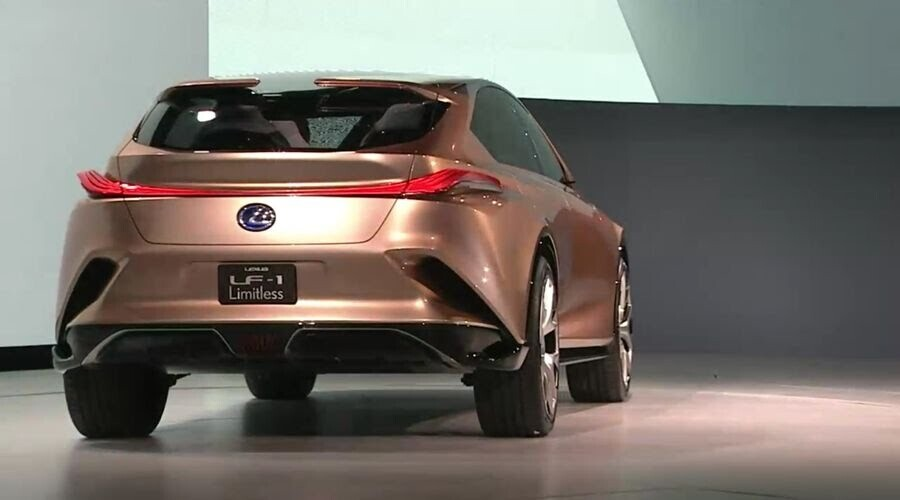 Lexus LF-1 Limitless Concept mới - crossover hàng đầu của Lexus trình làng - Hình 10