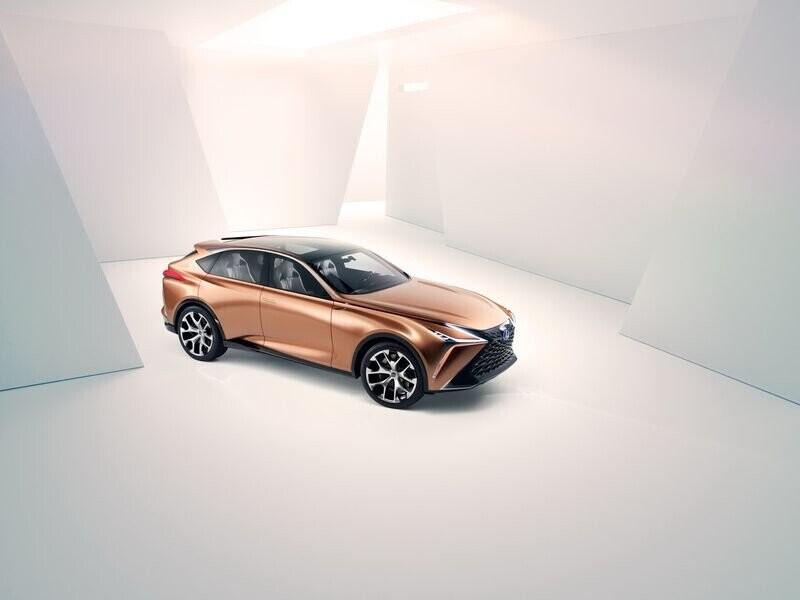 Lexus LF-1 Limitless Concept mới - crossover hàng đầu của Lexus trình làng - Hình 11