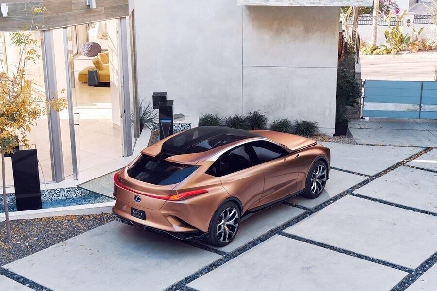 Lexus LF-1 Limitless Concept mới - crossover hàng đầu của Lexus trình làng - Hình 13