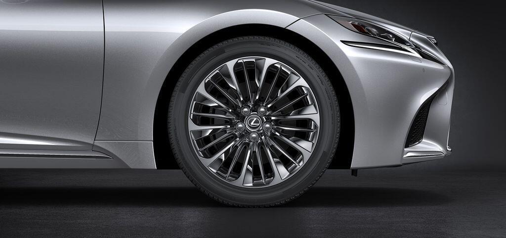 Lexus LS 2019 chính thức ra mắt thị trường Việt Nam, giá từ 7,080 tỷ đồng - Hình 3