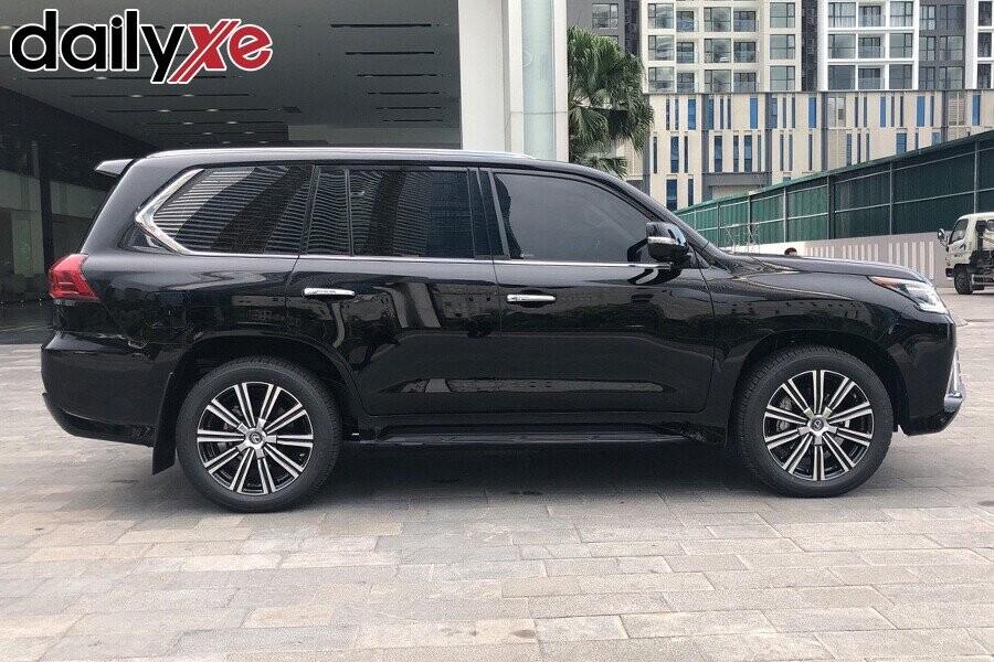 Lexus LX570 - Hình 6