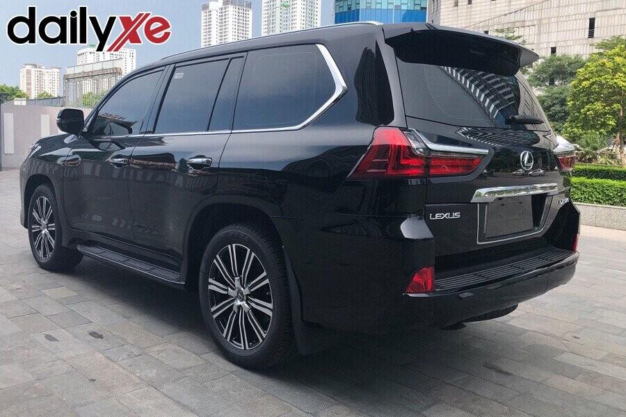 Lexus LX570 - Hình 7
