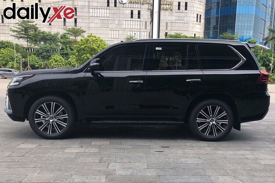 Lexus LX570 - Hình 2