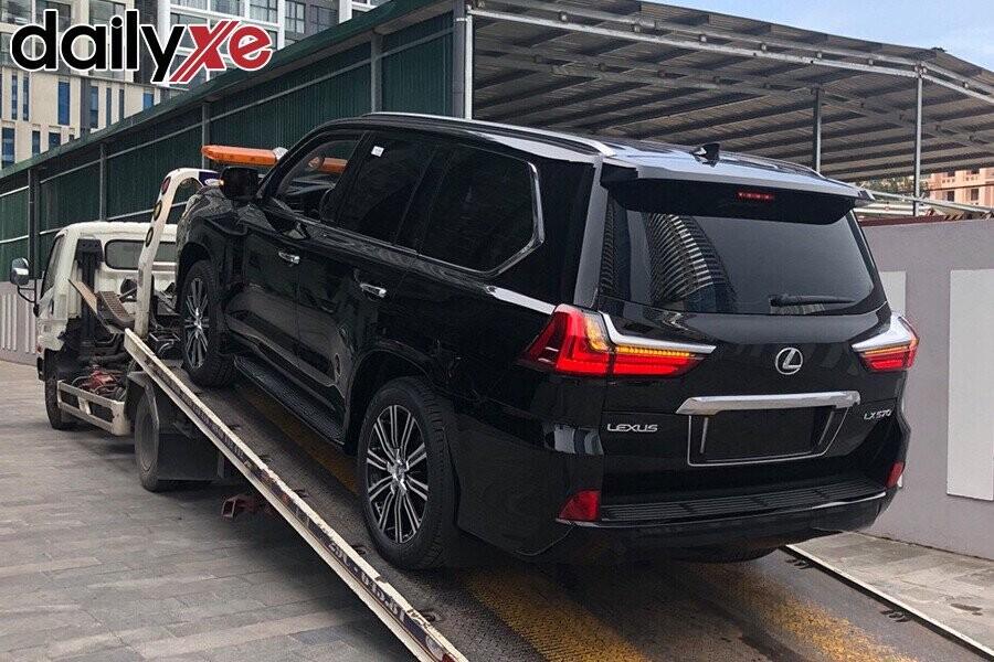 Lexus LX570 - Hình 9