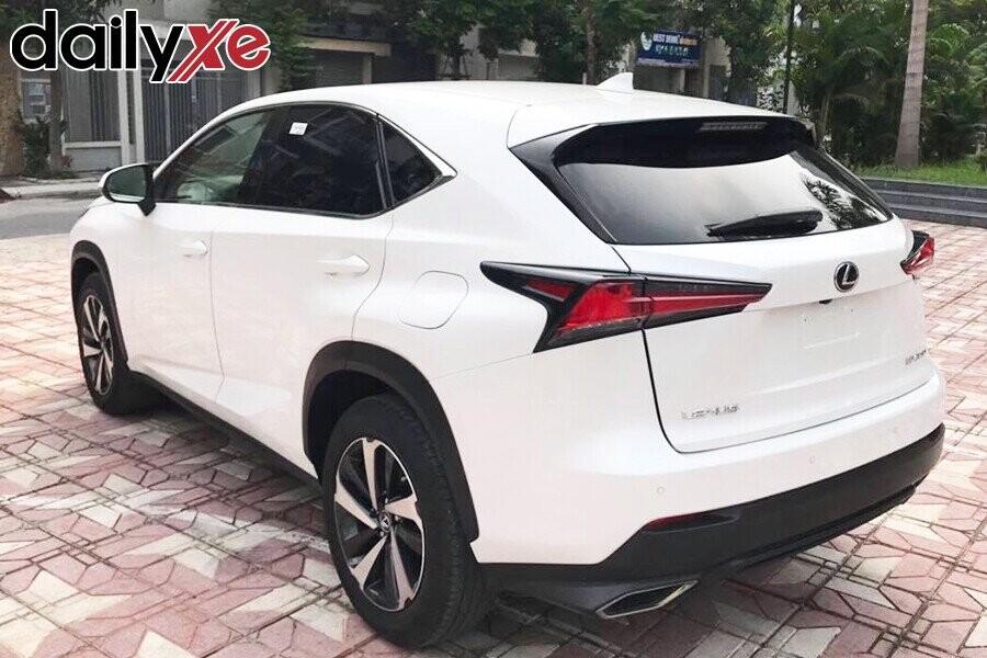 Lexus NX300- Hình 2