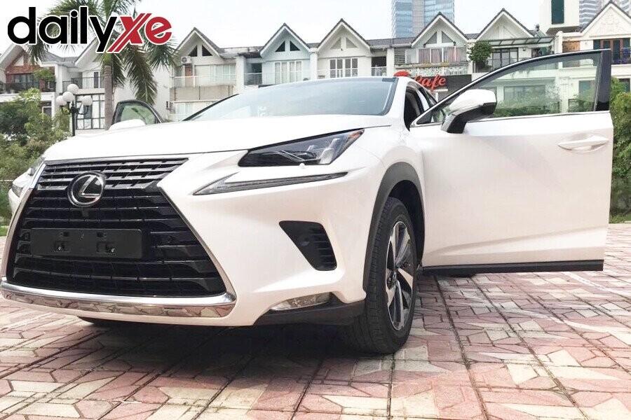 Lexus NX300- Hình 4