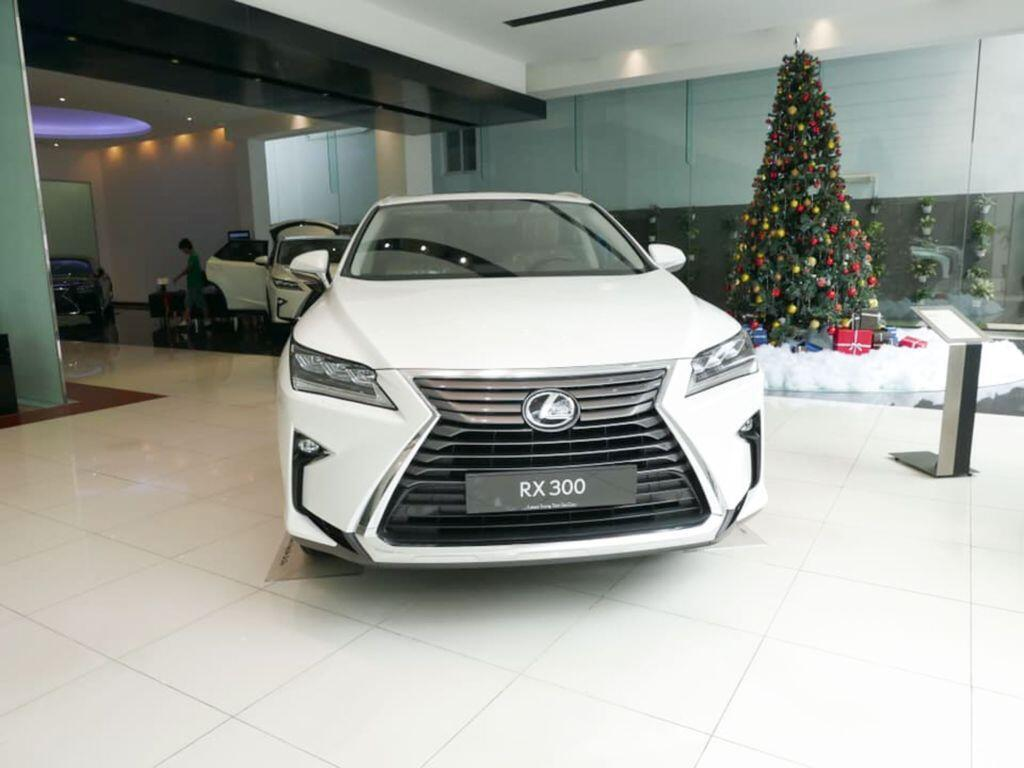 Lexus RX 300 mới giá hơn 3 tỷ, về Việt Nam thay thế cho RX 200t - Hình 1