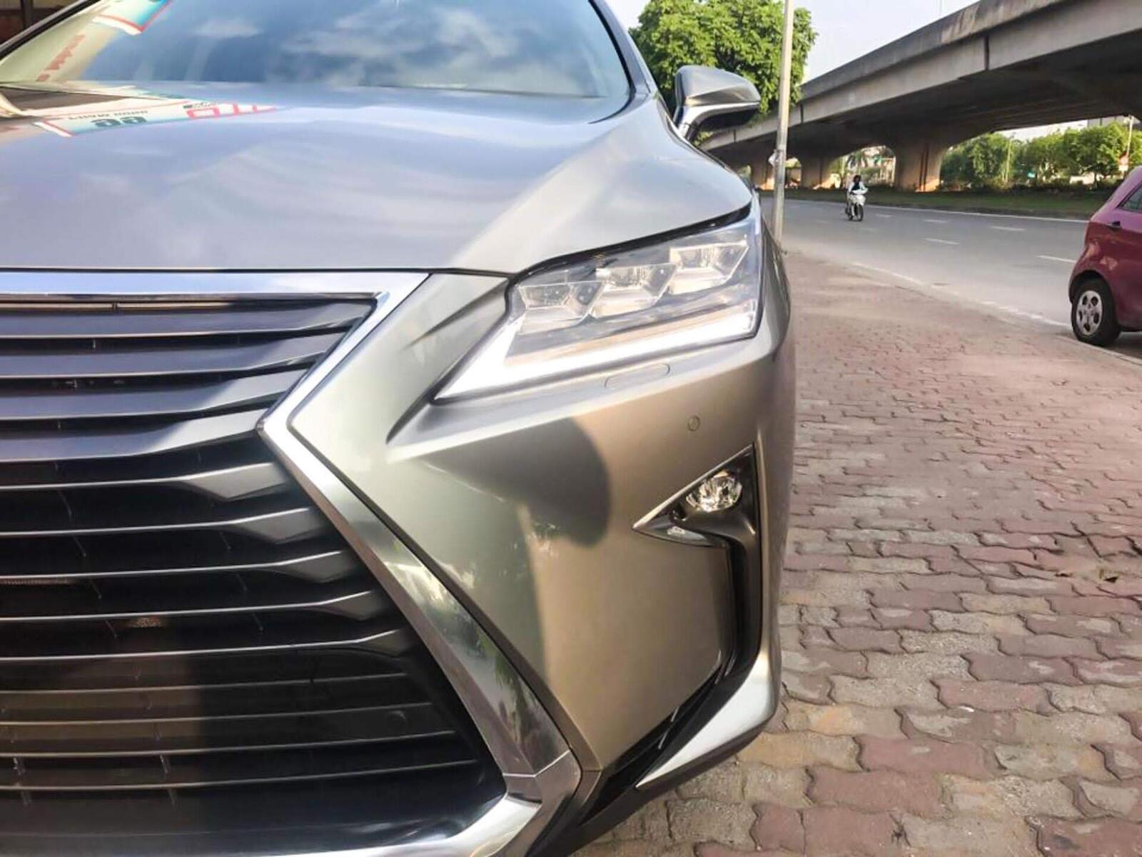 Lexus RX 350L 2018 phiên bản 7 chỗ đã về Việt Nam; giá không dưới 4,9 tỷ đồng - Hình 3