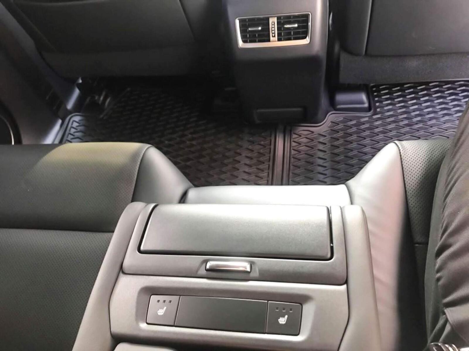 Lexus RX 350L 2018 phiên bản 7 chỗ đã về Việt Nam; giá không dưới 4,9 tỷ đồng - Hình 14
