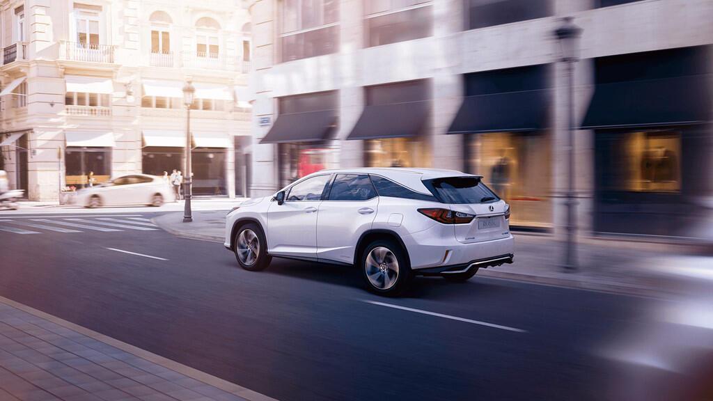 Lexus RX450hL 2019 7 chỗ giá từ 68.000 USD - Hình 2