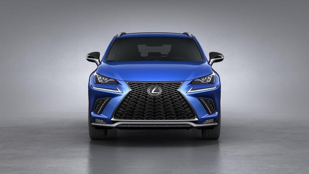 Lexus sẽ mang NX và CT nâng cấp tới Triển lãm Frankfurt 2017 - Hình 1