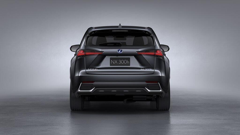 Lexus sẽ mang NX và CT nâng cấp tới Triển lãm Frankfurt 2017 - Hình 2