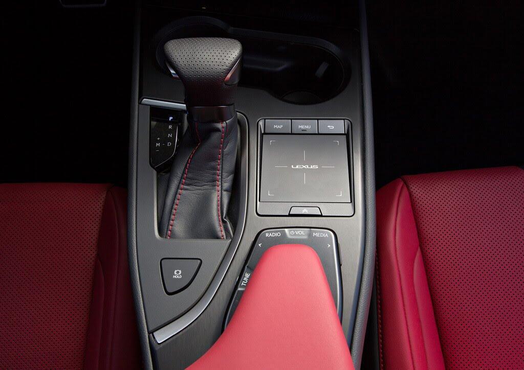 Lexus UX 2019 ra mắt, đối đầu BMX X2, Audi Q3 - Hình 6