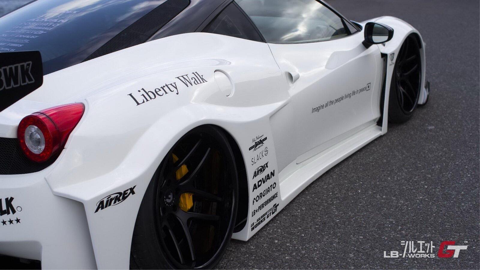 liberty-walk-ra-mat-bo-kit-wide-body-moi-cho-ferrari-458-italia-3.jpeg