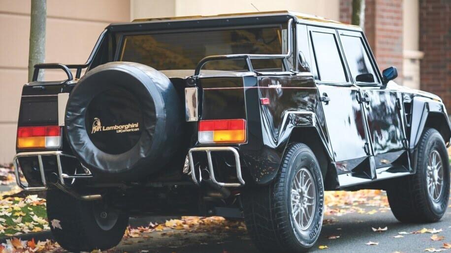 LM002 - siêu SUV đầu tiên của Lamborghini, trước Urus - Hình 2