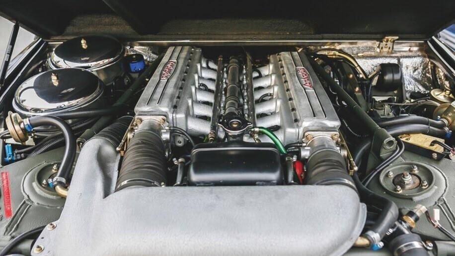 LM002 - siêu SUV đầu tiên của Lamborghini, trước Urus - Hình 11