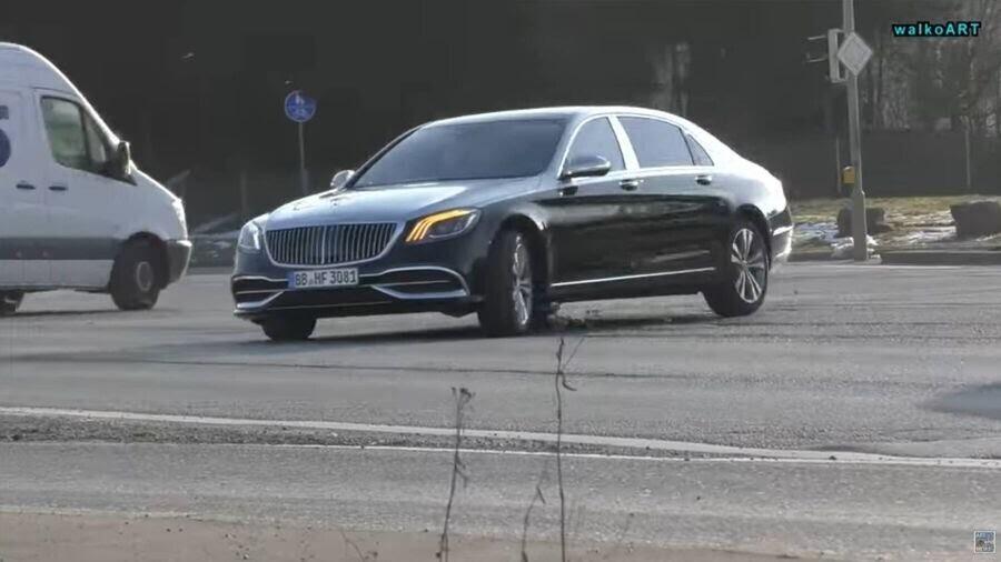 Lộ hình ảnh Mercedes-Maybach S-Class 2019 trên phố trước thềm Geneva 2018 - Hình 3