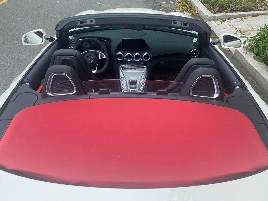 loat-anh-sieu-pham-mercedes-amg-gt-roadster-doc-nhat-tai-viet-nam-sau-khi-nhap-tich-sai-gon