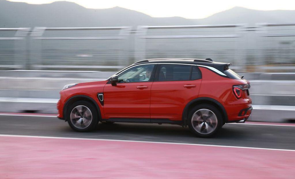 Lynk & Co 01 2020 – SUV Trung Quốc sử dụng nền tảng Volvo - Hình 9
