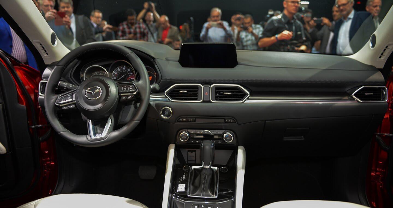 Mazda CX-5 thế hệ mới ra mắt tại Singapore, giá từ 105.433 USD - Hình 4
