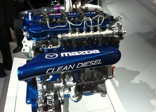 mazda-ra-mat-dong-co-diesel-sach-trong-nam-toi