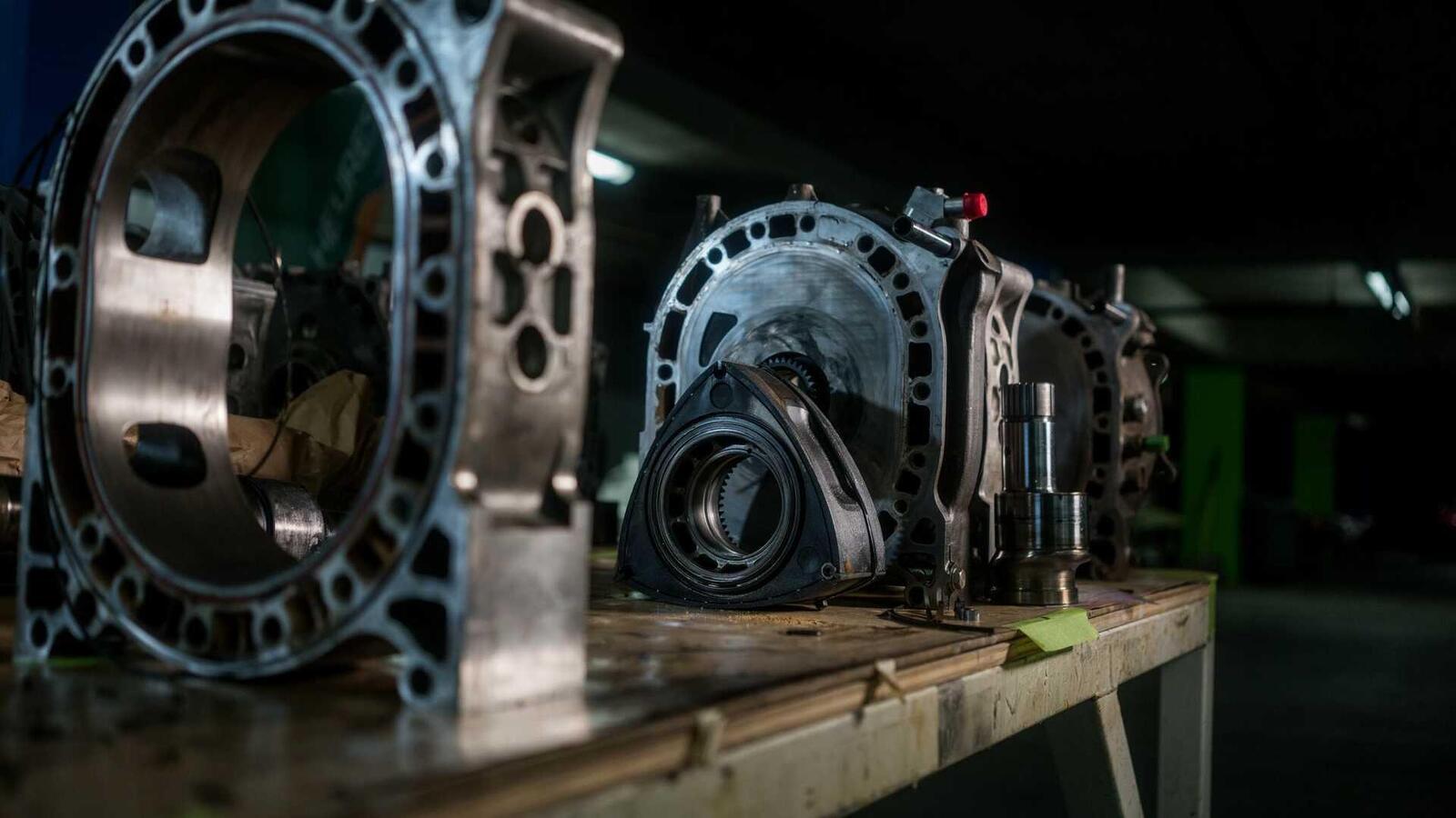 """Mazda sẽ """"hồi sinh"""" động cơ xoay Rotary tích hợp công nghệ lai hybrid - Hình 10"""