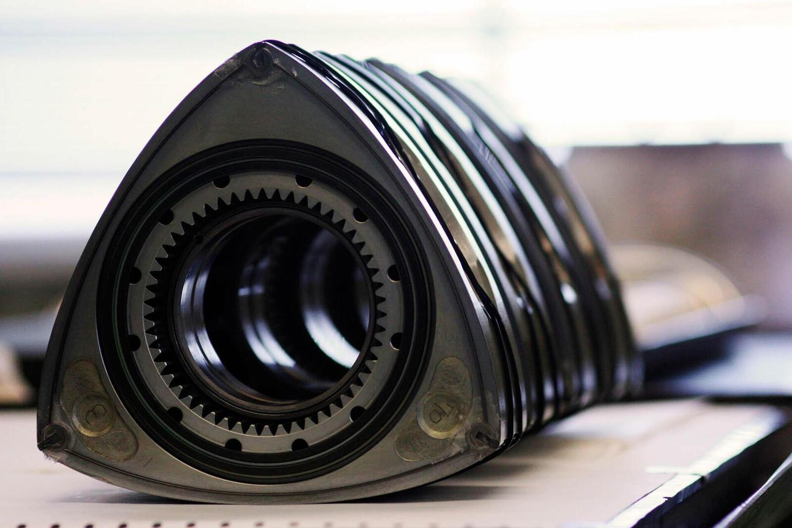 """Mazda sẽ """"hồi sinh"""" động cơ xoay Rotary tích hợp công nghệ lai hybrid - Hình 5"""
