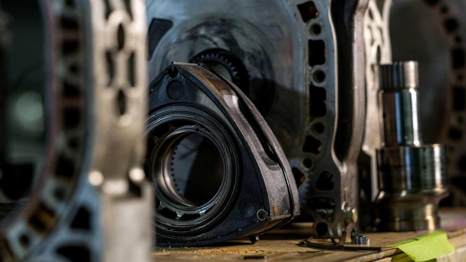 """Mazda sẽ """"hồi sinh"""" động cơ xoay Rotary tích hợp công nghệ lai hybrid - Hình 6"""