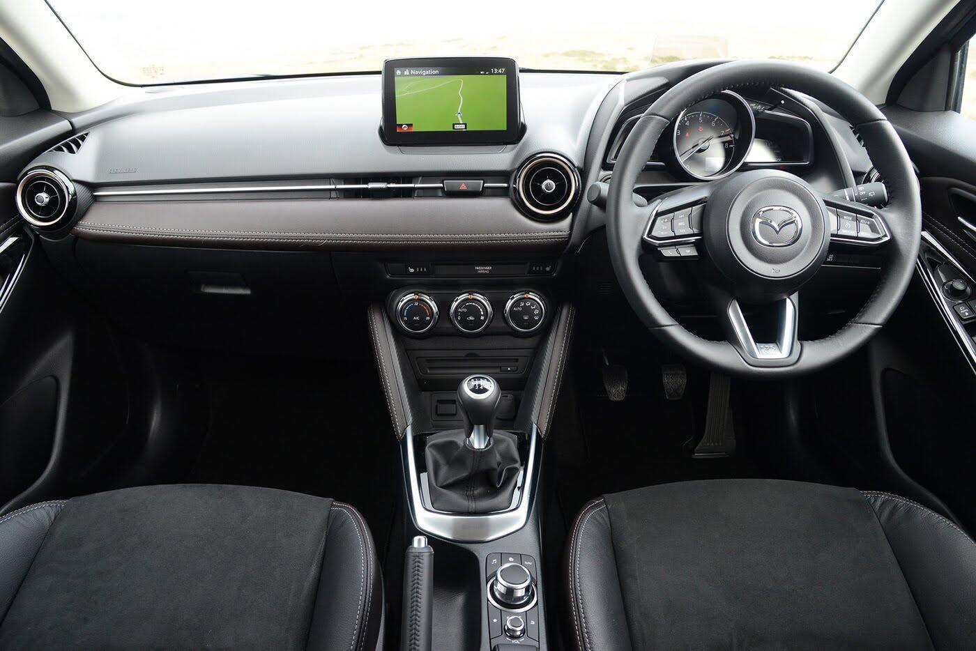 Mazda2 2017 có thêm phiên bản Tech Edition, giá bán từ 19.350 USD - Hình 4