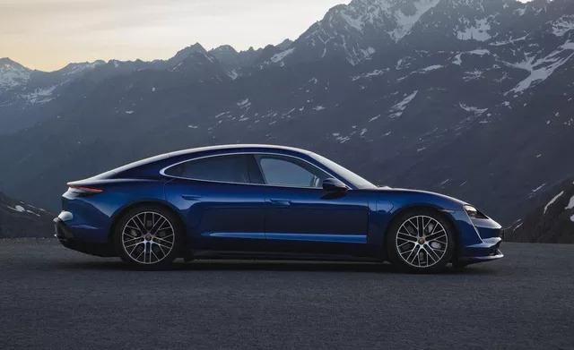 Mazda3 sánh ngang xe sang, siêu xe, thậm chí cả Bugatti Chiron trong danh sách xe đẹp nhất đang bán trên thị trường - Ảnh 13.