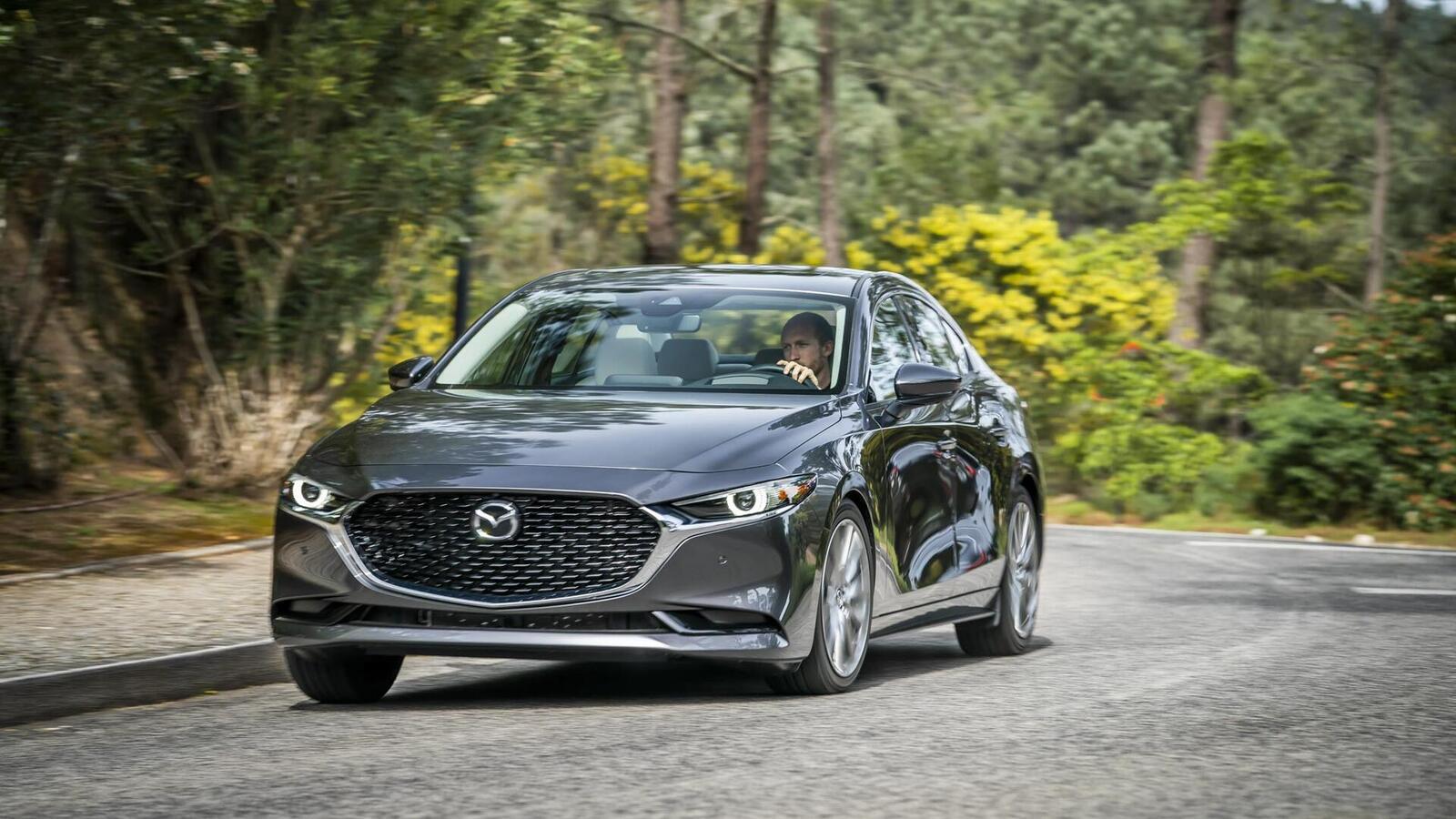 Mazda3 thế hệ mới chốt lịch ra mắt tại Malaysia vào tháng sau; giá dự kiến từ 764 triệu đồng - Hình 1