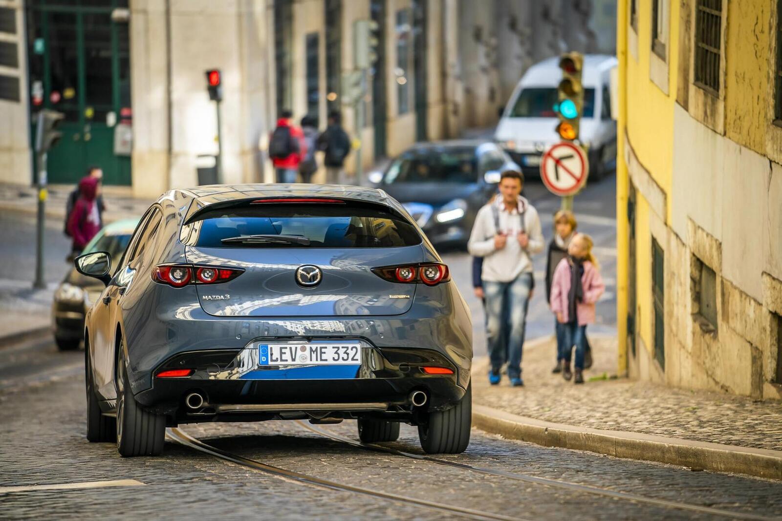 Mazda3 thế hệ mới chốt lịch ra mắt tại Malaysia vào tháng sau; giá dự kiến từ 764 triệu đồng - Hình 12