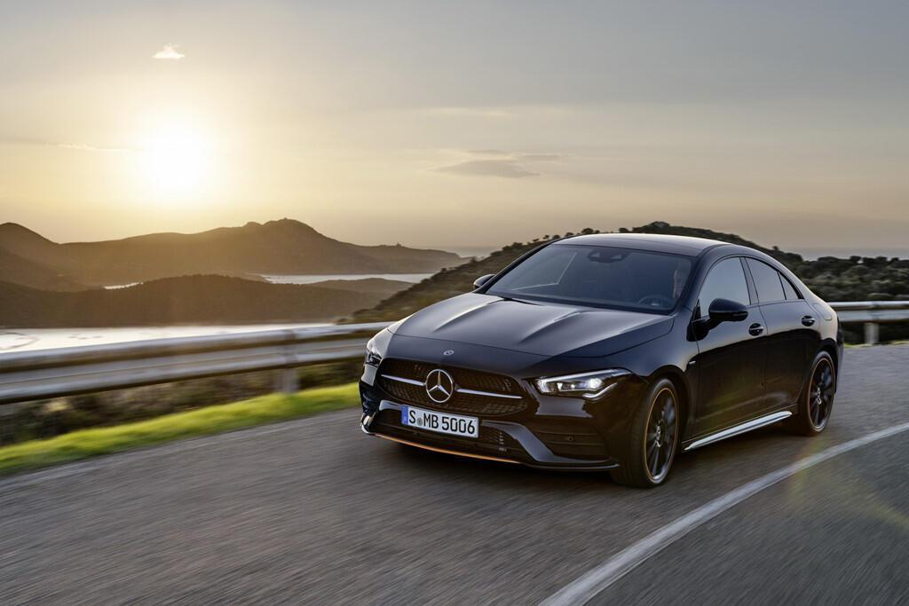 mercedes-benz-cla-2019-coupe-gia-re-trong-phan-khuc-hang-sang-8.jpg