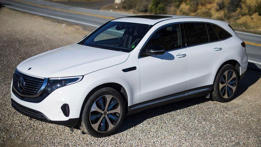 Mercedes-Benz EQC - crossover điện đầu tiên của hãng xe Đức sẽ trình làng vào tháng 1/2019 - Hình 3