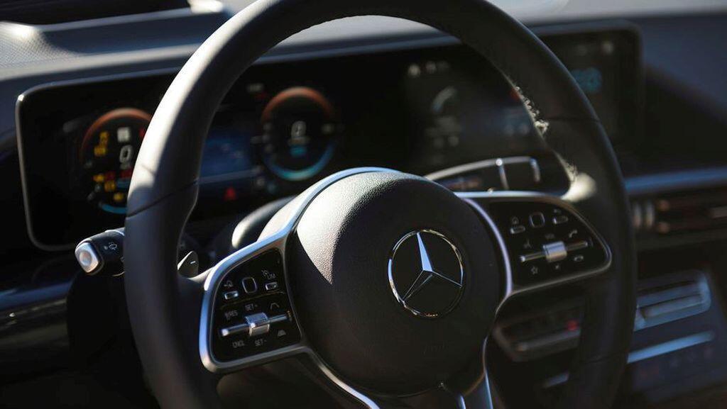 Mercedes-Benz EQC - crossover điện đầu tiên của hãng xe Đức sẽ trình làng vào tháng 1/2019 - Hình 7