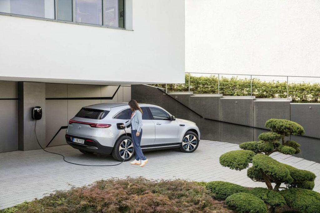 Mercedes-Benz EQC - crossover điện đầu tiên của hãng xe Đức sẽ trình làng vào tháng 1/2019 - Hình 11