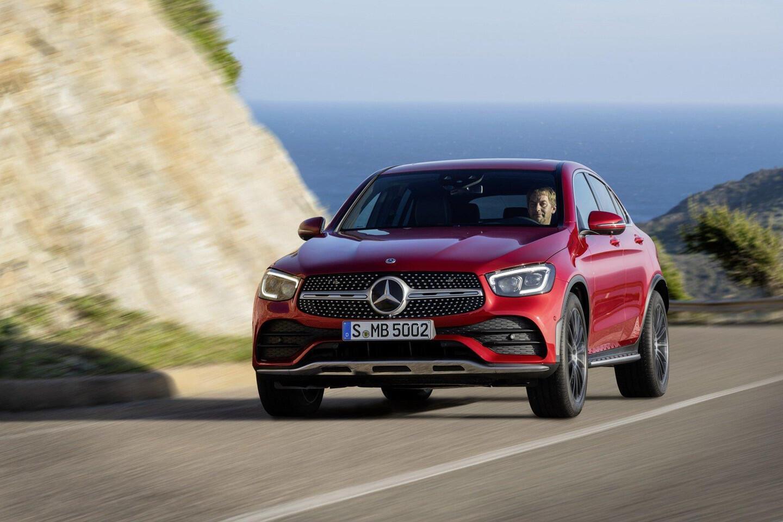 mercedes-benz-glc-coupe-2020-ra-mat-the-thao-va-manh-me-hon-6.jpg