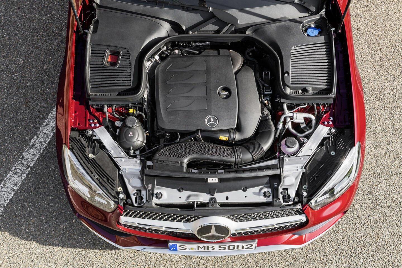 mercedes-benz-glc-coupe-2020-ra-mat-the-thao-va-manh-me-hon-7.jpg