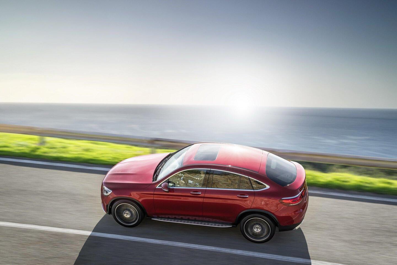 mercedes-benz-glc-coupe-2020-ra-mat-the-thao-va-manh-me-hon-8.jpg