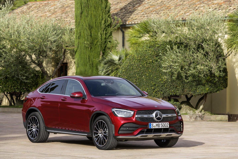 mercedes-benz-glc-coupe-2020-ra-mat-the-thao-va-manh-me-hon-9.jpg