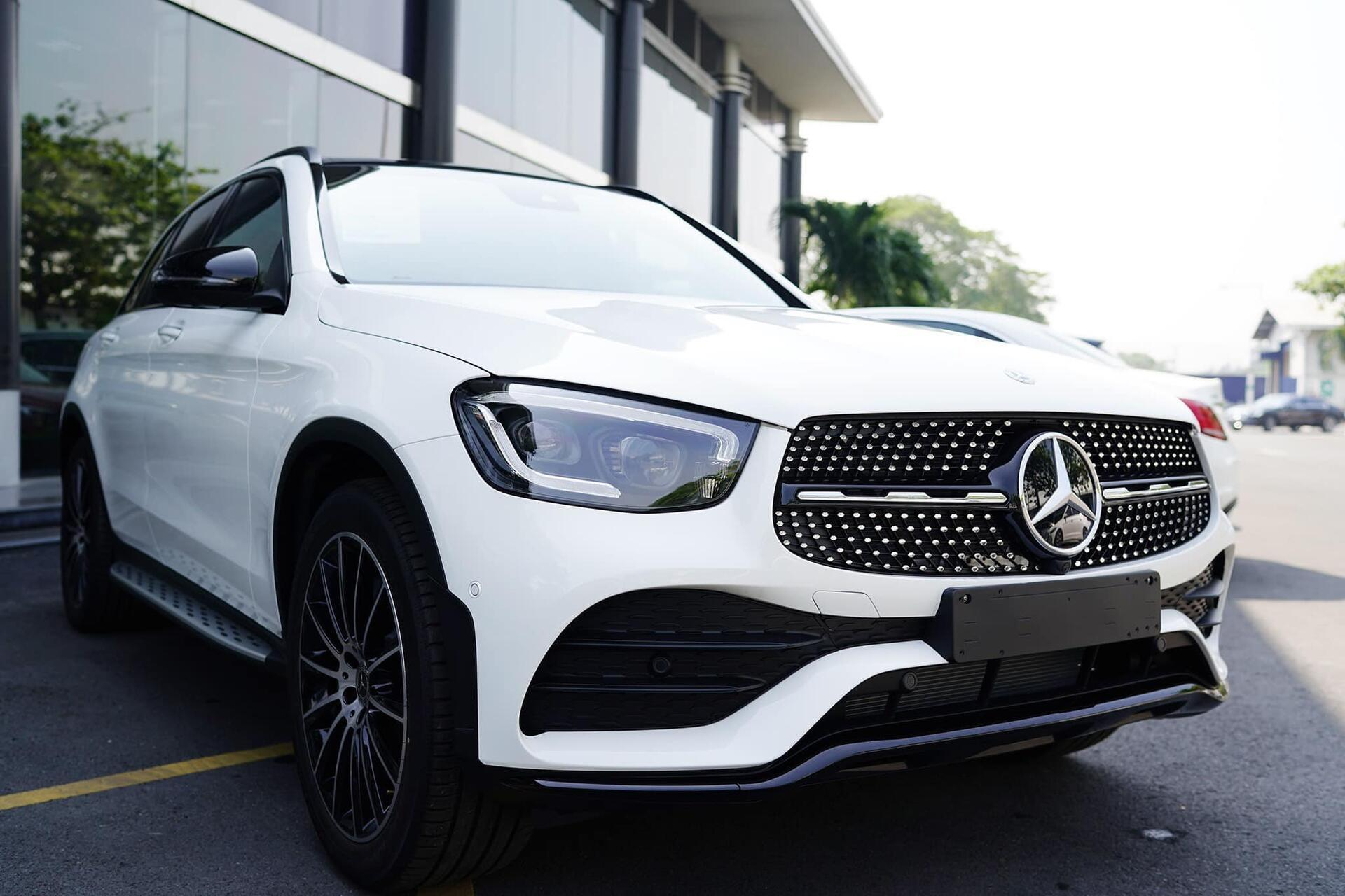 Mercedes GLC 300 - Hình 0