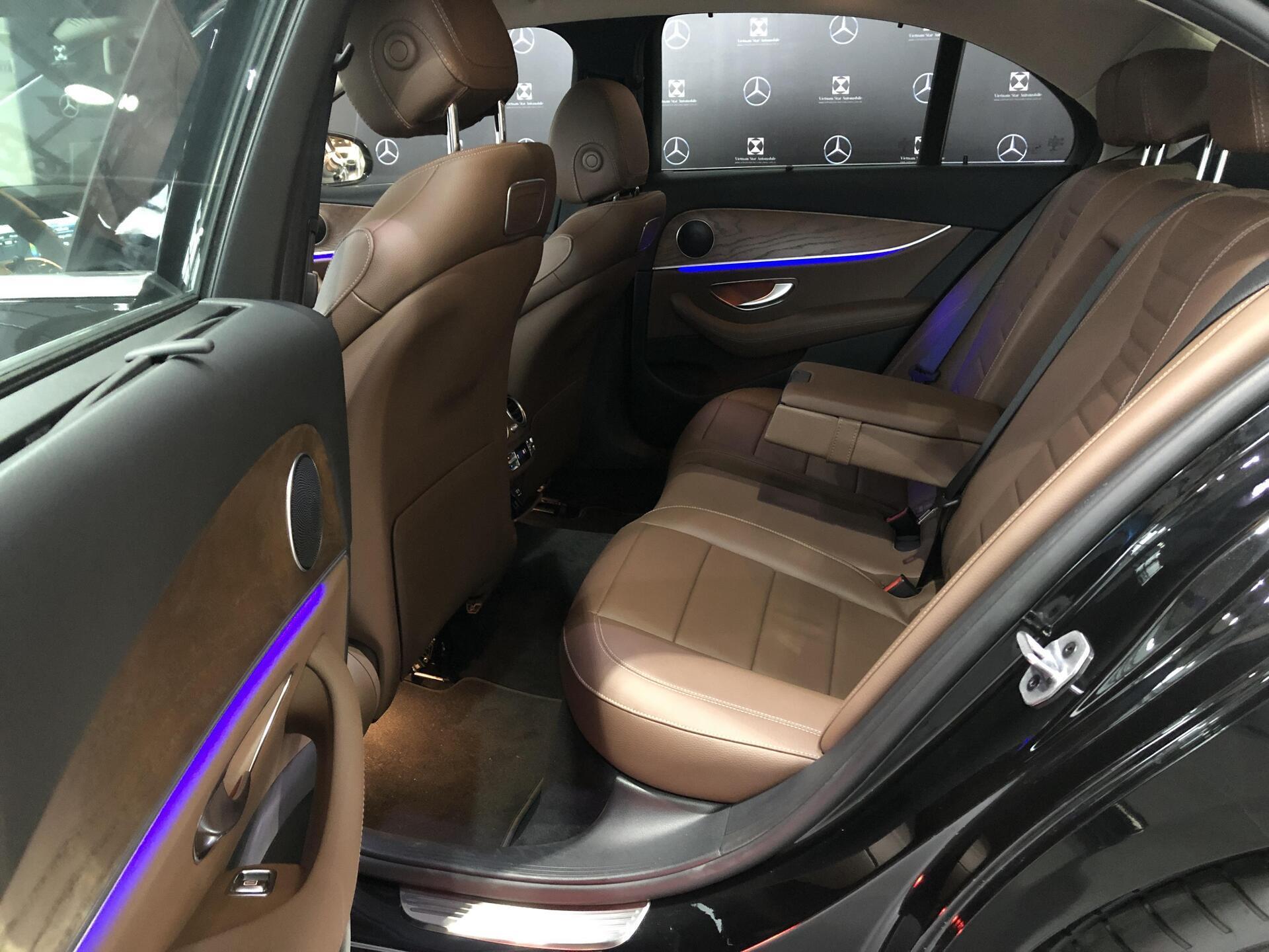 Mercedes E200 - Hình 11