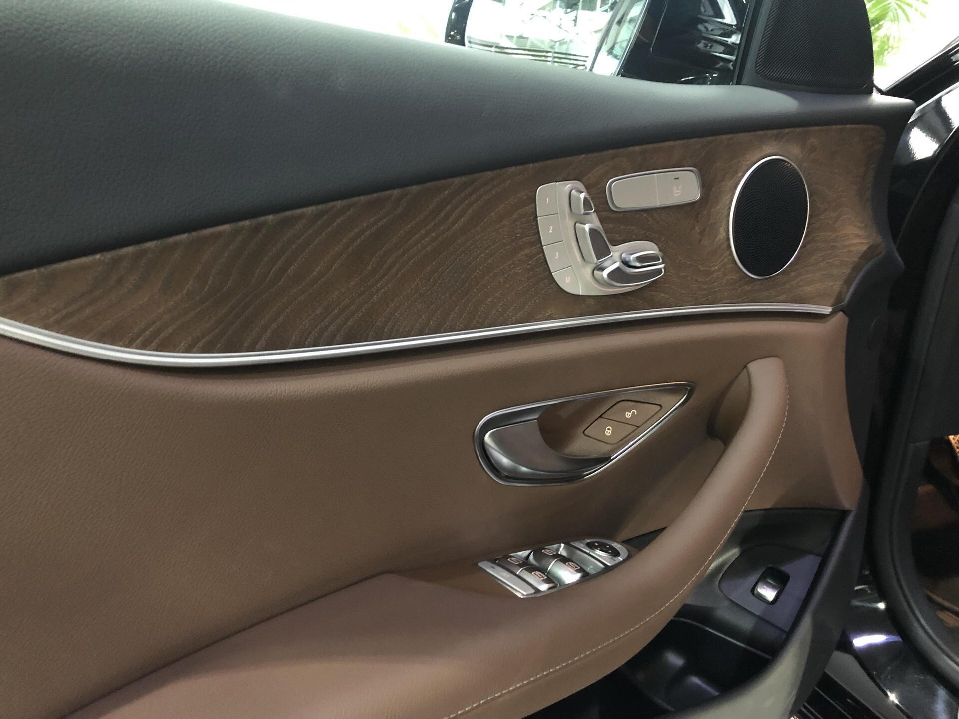 Mercedes E200 - Hình 12