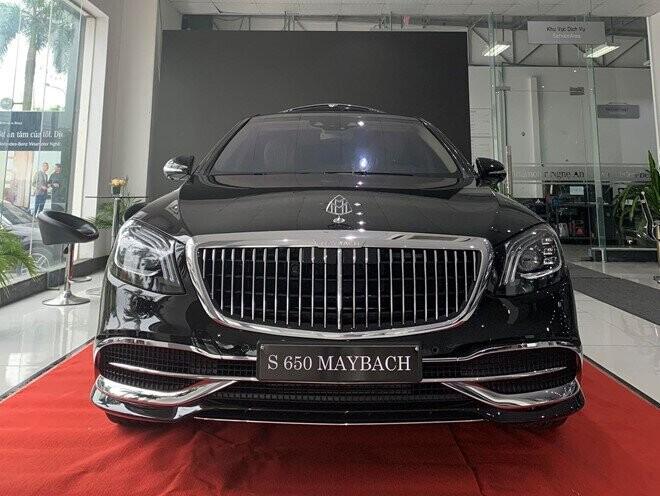Nghệ An là nơi đầu tiên chiếc xe siêu sang Mercedes-Maybach S 650 đời 2019 được giao tới tay khách hàng.