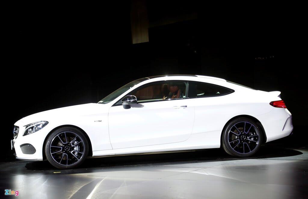 Mercedes trưng dàn xe 150 tỷ tại Hà Nội - Hình 2