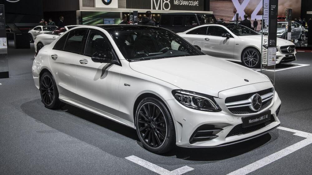 Mercedes-AMG C43 2019 sedan được hãng xe Đức trình làng tại triển lãm Geneva 2018 - Hình 1