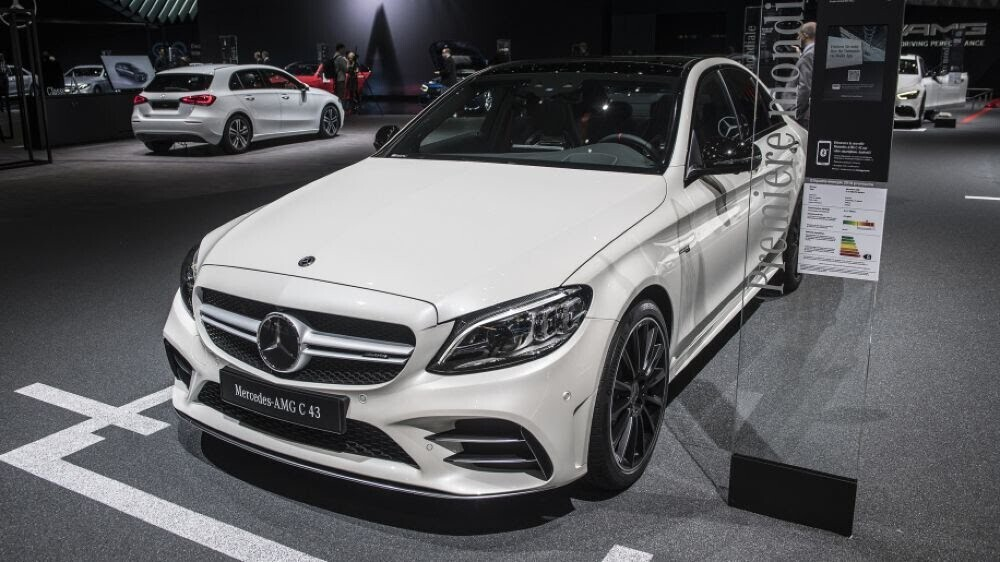 Mercedes-AMG C43 2019 sedan được hãng xe Đức trình làng tại triển lãm Geneva 2018 - Hình 10